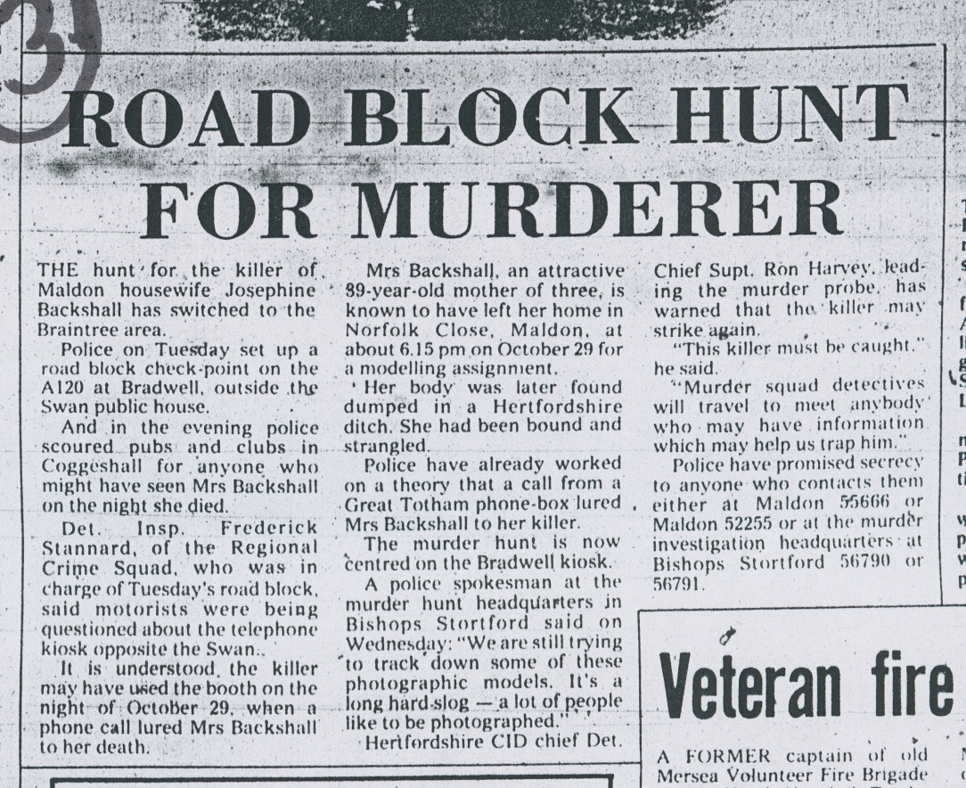 Road block hunt for Murderer
